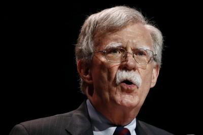 美國安顧問訪英 促對伊朗、華為採取強硬立場