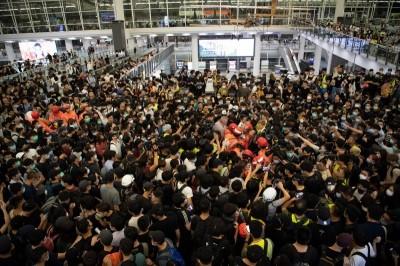 香港機場癱瘓 中菲行:航空貨運影響不大
