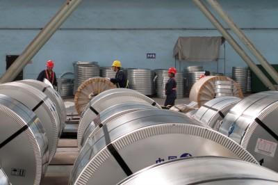 貿易戰重擊 中國7月工業產出成長下滑到17年最慢