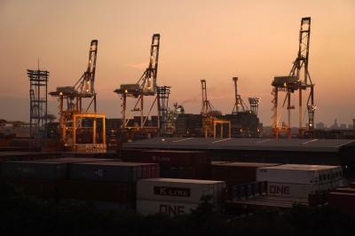 日本出口連8個月下滑 製造商信心6年首度轉負