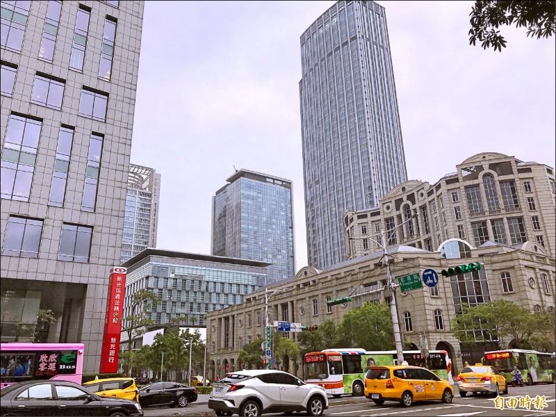 國泰置地廣場租金刷新 每坪4568元 全國第2高