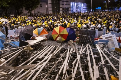 美國商會調查:近1/4企業擬撤離香港  新加坡是遷移首選