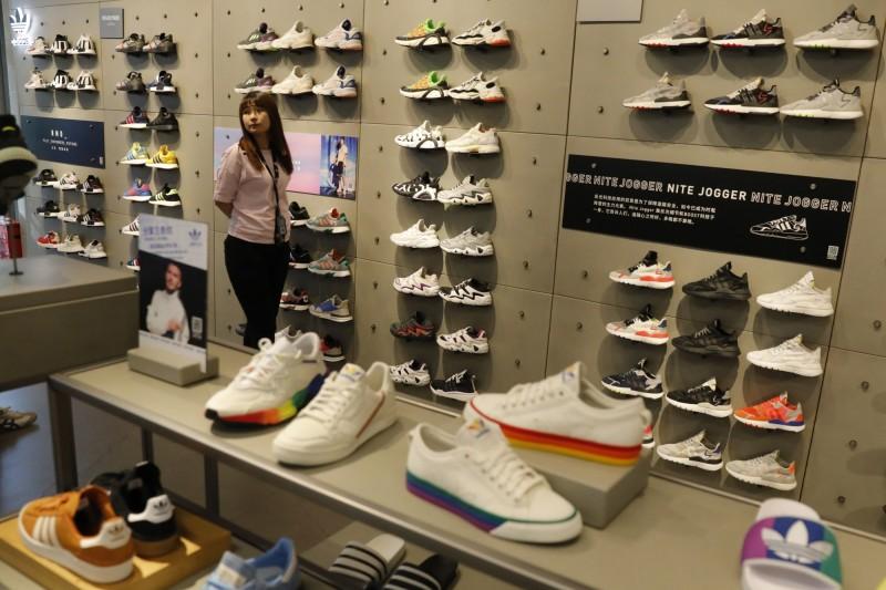 什麼都能炒!中國「炒鞋」風氣橫行  限量鞋款價飆漲近8倍