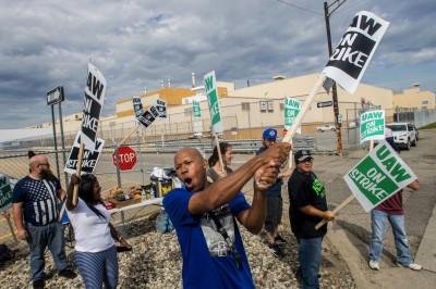 勞資談判喬不攏!美國通用汽車員工今起展開全美罷工
