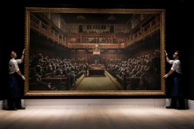 以「黑猩猩」諷刺英國國會 這幅畫作拍出近3.3億天價