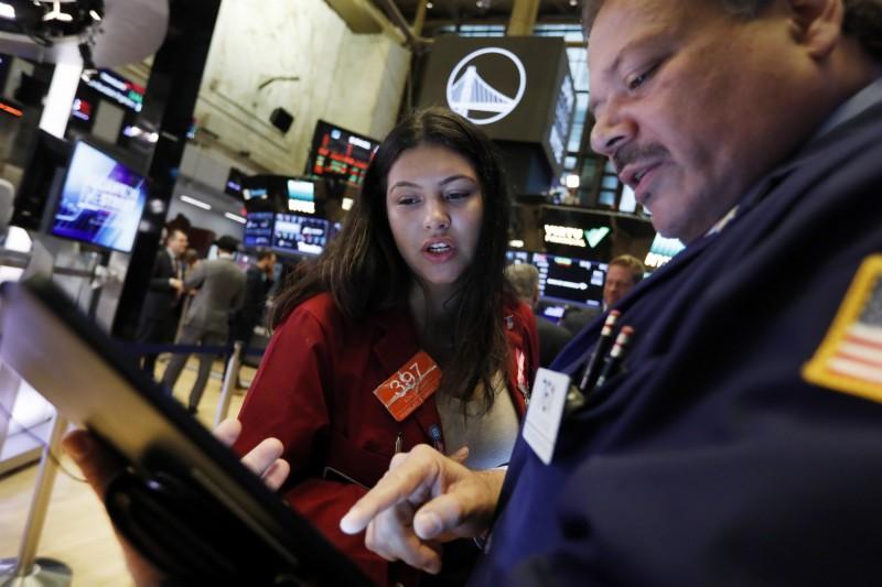 美零售數據意外下滑 美股4大指數全面收黑