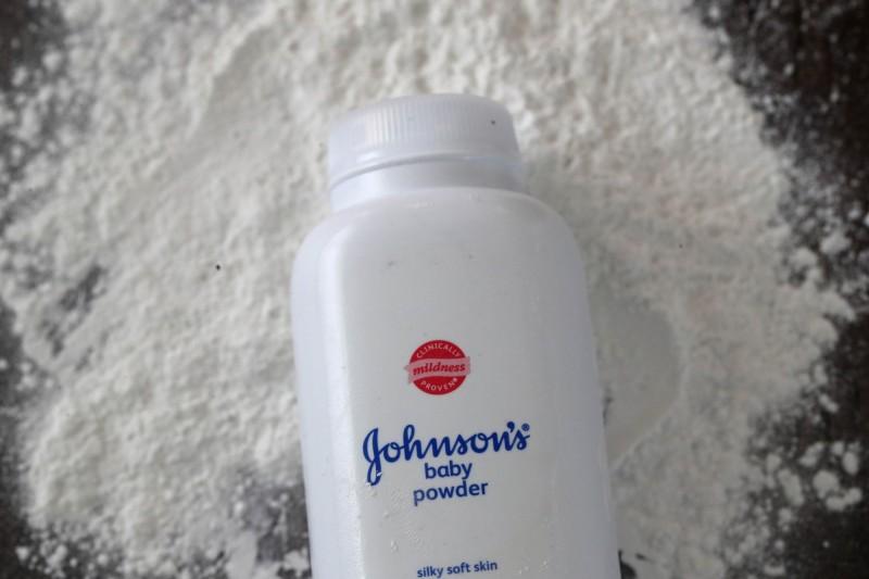 嬌生爽身粉首次被美國FDA驗出石棉 回收3.3萬瓶