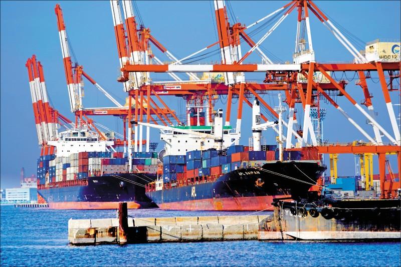 貿易戰重創 日韓進出口續黑