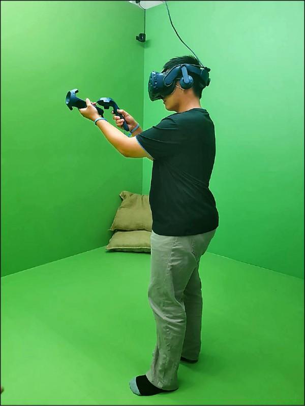 首創VR+MR+電競整合 宏達電攜金大打造教育體驗中心