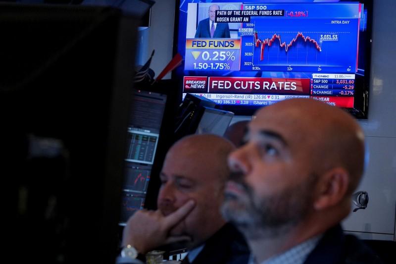 Fed第3度降息激勵美股 標普創收盤新高