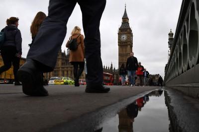 驚險逃過衰退 英國經濟成長仍創10年新低