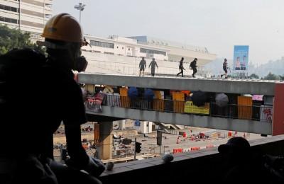 香港中信銀傳堅持到班惹議 遭質疑「不顧員工死活」