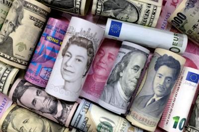 全球欠債近8000兆又逢經濟放緩  主政者:借更多錢