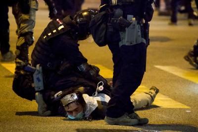 香港暴力事件劇增 經濟學家:11月零售額及旅客數字難改善