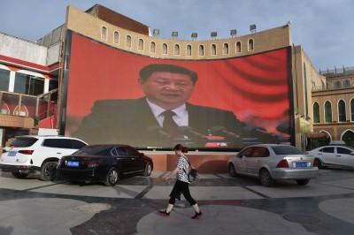 中國強力鎮壓重創新疆經濟  50萬大城市人口腰斬