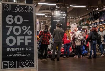 網購太方便!超過70%千禧世代熬夜購物