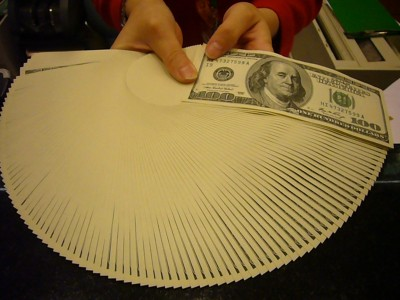 台幣對美元升破30,外銀美金短期定存年息喊到3.05%-6%