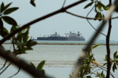武漢肺炎》疫情削弱原油需求 傳全球3大油商擬僱油輪在海上儲油