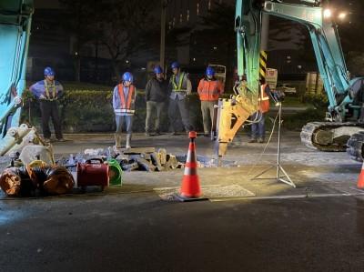 內湖漏油市府協調今開挖   28日前抽換成功路100公尺管線