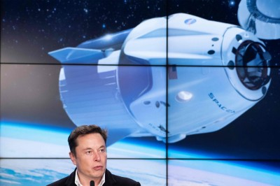 SpaceX:最快在2021年底 送4名遊客進太空