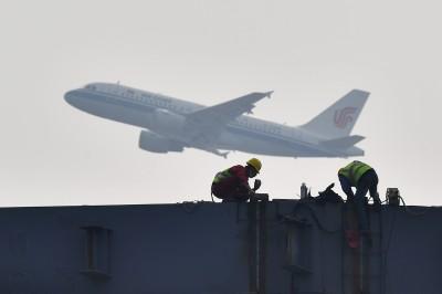 中國2月民航旅客量暴減8成!單月虧損創史上最大