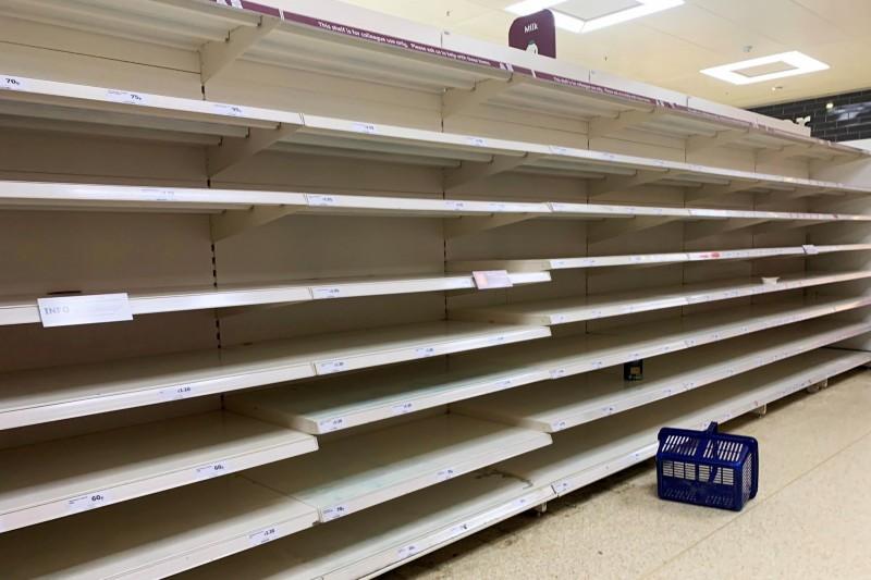 武漢肺炎》停止恐慌性搶購!英零售商協會向消費者喊話