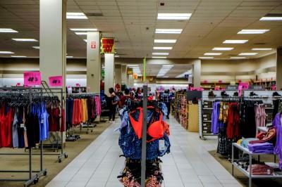 武漢肺炎》疫情打擊美零售業  今年關門量恐破萬、破產量增加