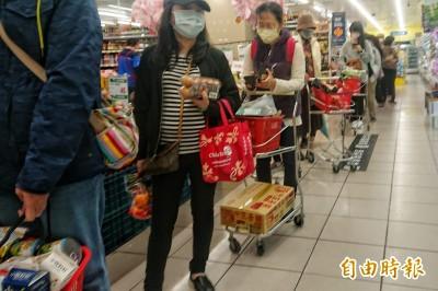 確診病例破百 量販店和超市這幾樣商品搶翻了