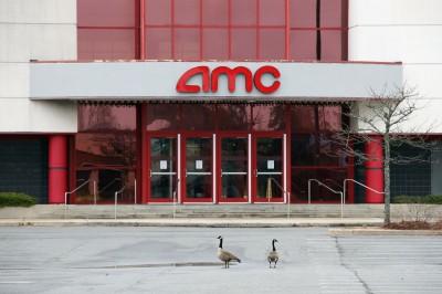 武漢肺炎》全球最大戲院營運商AMC 全體員工放無薪假