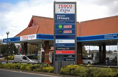 武漢肺炎》英國民眾爆買潮 1個月間增7900萬次購物、消費700億