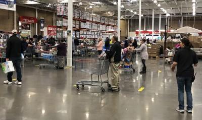 武漢肺炎》民眾暴買後遠距購物防疫 沃爾瑪、好市多人流下降