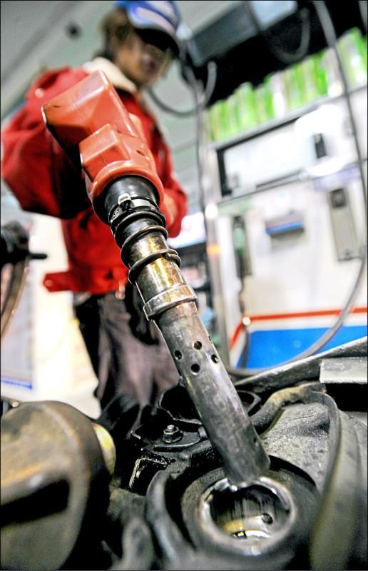 全球經濟窒息 製造業看壞景氣