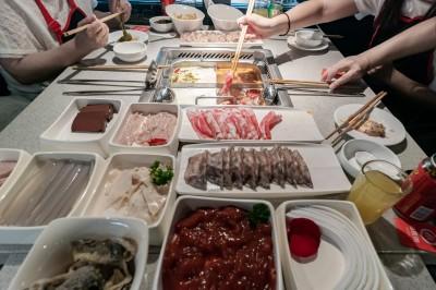 復業後漲價被中國消費者罵翻 海底撈致歉:調回原價