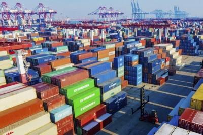 海運貨櫃大暴量 關務署:14天內可消化完畢