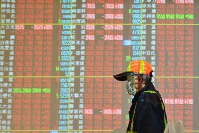 電金權值股反攻 台股漲近百點重返10800點