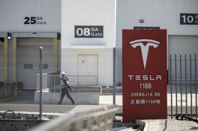 中國製Model 3售價先漲後降 車主自嘲如韭菜