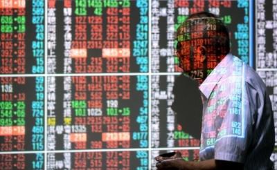 巴菲特開示後 外資本週也狂拋航空股、富邦VIX