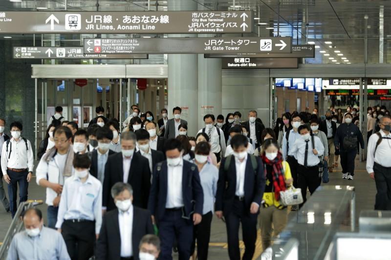 日本女性就業人數受疫情影響大減 降幅為男性2倍