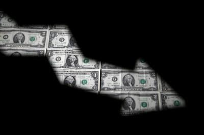 美股強勁上漲 分析師:沒人注意到弱美元才是推手