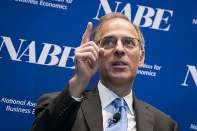 籲美推更多經濟援助計劃!穆迪警告:今年再次衰退可能性高
