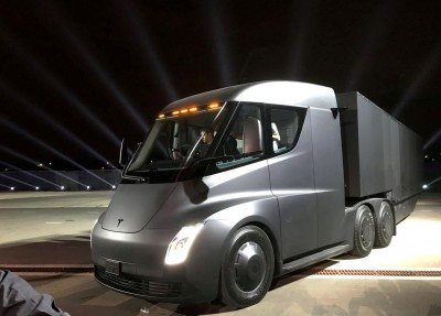 特斯拉破1000美元大關 躍升市值第2大汽車製造商