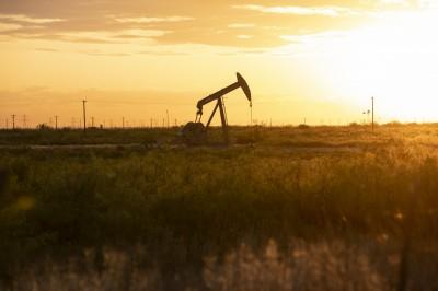 經濟反彈無用  高盛:油價有崩2成空間、能源股依舊看跌