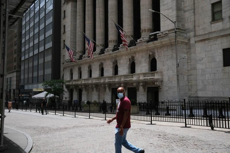 Fed加碼收購公司債 美股由黑翻紅、道瓊漲逾百點