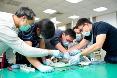 《科技與創新》首台國產醫療級呼吸器誕生