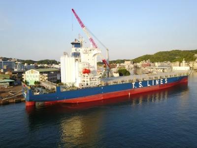 德翔海運加裝脫硫器 台船基隆廠首秀