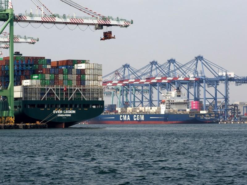 武肺疫情破壞全球貿易  20萬船員海上漂、身心備受煎熬