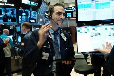 納瓦羅澄清「結束」發言無關貿協  美股道指漲逾200點、蘋果創新高