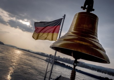 德國政府估今年經濟萎縮6.5% 學者擔憂疫情2度爆發