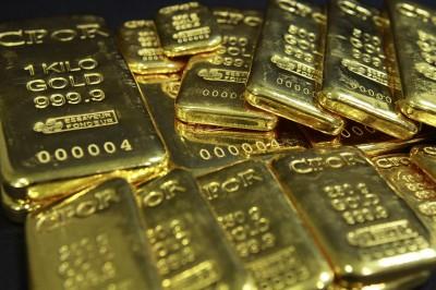 避險買盤湧入 金價創逾7年新高