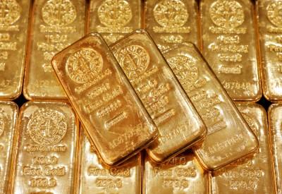 美元轉強 黃金自近8年高點回落
